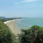 Blick auf den Strand Richtung Pak Nam Pran