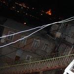 ночной вид на соседний двор
