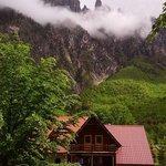 Rilindja Alpine Rooms, Restaurant and Information
