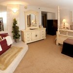 Suite with King bed and Jacuzzi