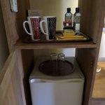 Tea/coffee/water but no kettle in Comfort room