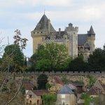 Monfort castle across street