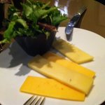 Assiette de fromages : très froids et insipides