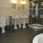 bath deluxe suite