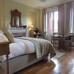 bedroom deluxe suite