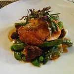 Guineafowl with asparagus, mushrooms, peas, and spring onions