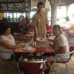 Hola a todos sin duda alguna el The Royal en playa del Carmen es el mejor hotel de la Riviera Ma