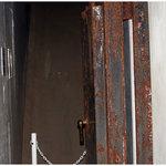 主室の扉(金属製で分厚く合計4枚ある)