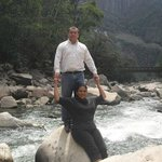 En el rio frente al hotel