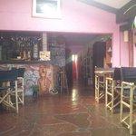 Restaurant rustico con decoraciones rapa nui ! Grato ambiente