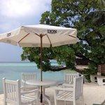 terrasse bar au bord de l'eau