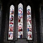 聖カニス大聖堂のステンドグラス