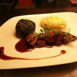 Venison cabbage pomme puree thyme jus