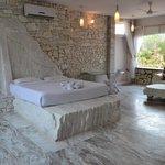 Room 9 or white room)