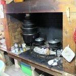 Aniel et sa cuisine au feu de bois