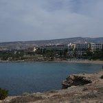 пляж отеля Корал Бич