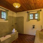 All rooms are en-suite with shower & bath