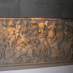 """Sarcophage """"Le triomphe de Bacchus"""""""