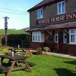 The White Horse Inn Sunny Side Stream Garden