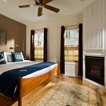 Room 1 - King bed, marble tiled shower, A/C, Fireplace, Flatscreen TV