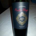 Nos recomendaron un vino tinto uva Malvec, argentino. Un gran acierto.