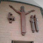 Imagem de Jesus Cristo talhada em madeira