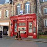 façade restaurant , seul attrait pour faire rentrer les touristes
