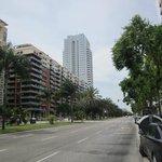 Straat waaraan het hotel ligt