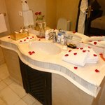 Bathroom - Suite (Room 2)