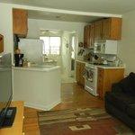 Kitchen & Eatinfg Area