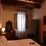 Doppelbettzimmer mit Kamin