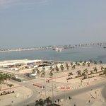 Vista parcial do porto de Luanda