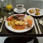 Good breakfast; good variety