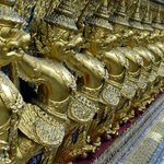 Beautiful things to see at the Grand Palace (2)