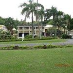 Bedarra Beach Inn front