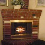 Coner gas fireplace