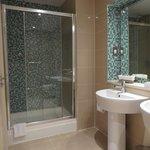 bridal suite shower