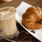 cafe croissant
