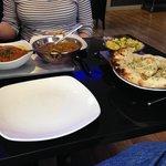 Main - Vindaloo, Naga, Chilli rice and garlic and chilli naan