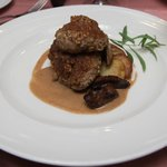 Cyrano de Bergerac - Gratined Sweetbreads in Walnuts with Shallot Sauce