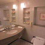 バスルーム(トイレ・洗面台)