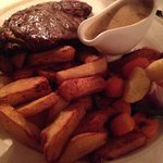 Steak and chips with Dianne sauce