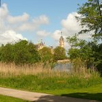 Fahrradweg zum Schloß in Schwerin