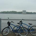 Triste temps mais beaux vélos ...