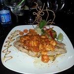 Seafood symphony med fisk og reker. Nydelig!