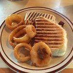 Panini sandwich with onion rings
