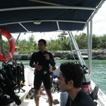 dive master Javier going over some hand signals just before we get wet.