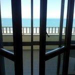 ons uitzicht, dubbele deuren op de kamer