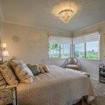 Master bedroom elegance