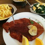 Wiener Schnitzel with fries & spinach